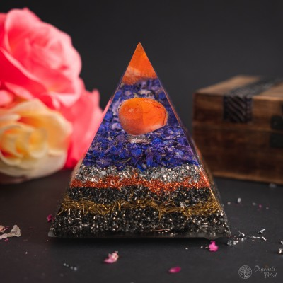Carneol - Orgonite Pyramid
